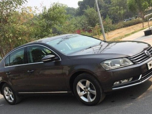 2012 Volkswagen Passat Diesel Highline 2.0 TDI AT in New Delhi