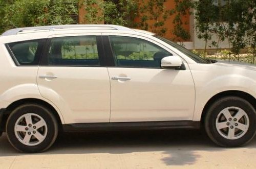 Used 2010 Mitsubishi Outlander 2.4 AT for sale in Ahmedabad