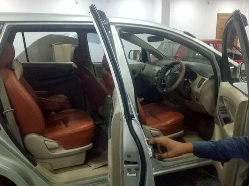 Used Toyota Innova 2.5 G4 8 STR, 2006 MT for sale in Hyderabad