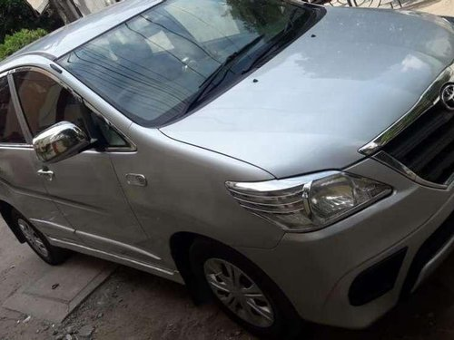 Toyota Innova 2.5 G 7 STR BS-IV, 2014, Diesel MT in Patna