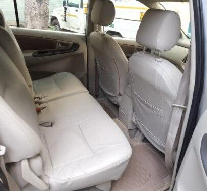 2014 Toyota Innova MT for sale in New Delhi-6