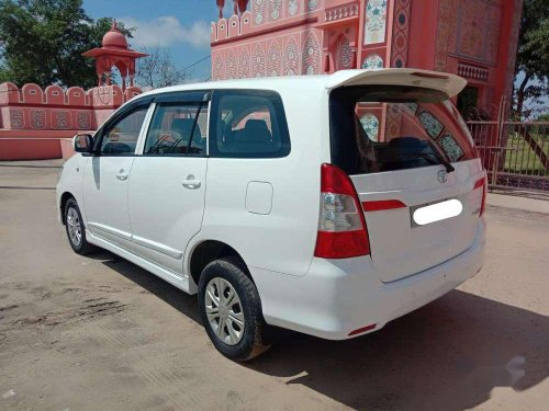 Toyota Innova 2015 MT for sale in Jaipur-3