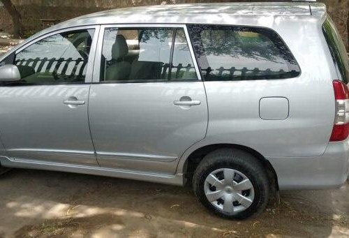 2014 Toyota Innova MT for sale in New Delhi-9