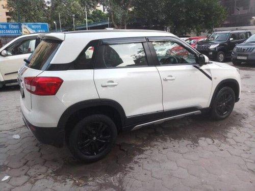 Maruti Suzuki Vitara Brezza 2018 MT for sale in New Delhi