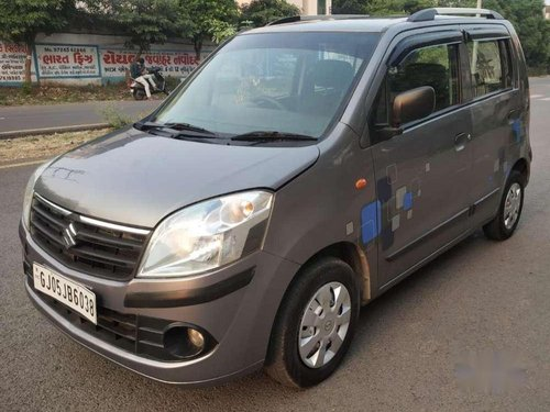 Used Maruti Suzuki Wagon R 2012 MT for sale in Surat -7