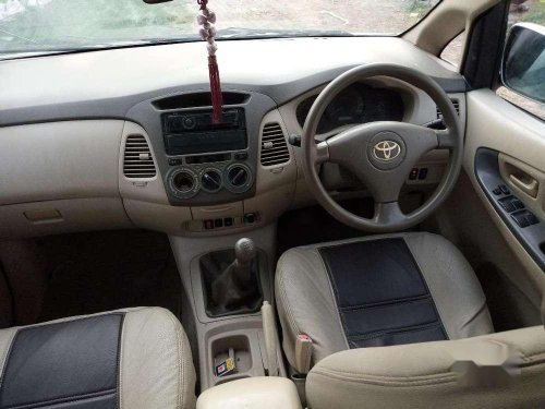 Used Toyota Innova, 2005 MT for sale in Akbarpur
