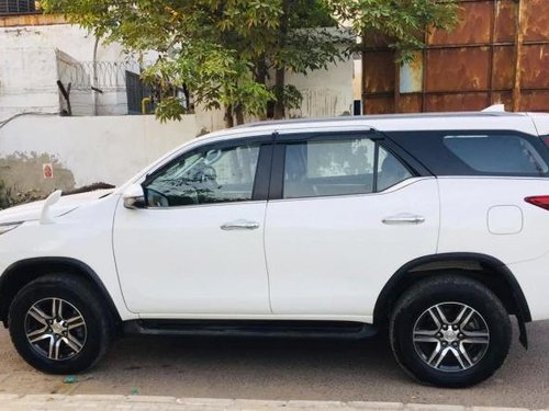 Used Toyota Fortuner 2.8 2WD AT BSIV 2018 AT in New Delhi