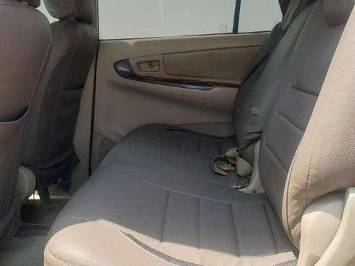 Toyota Innova 2.5 G4 8 STR, 2006, Diesel MT in Nashik