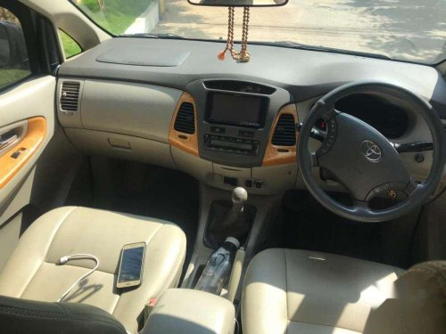 2009 Toyota Innova 2.5 VX 7 STR MT in Hyderabad
