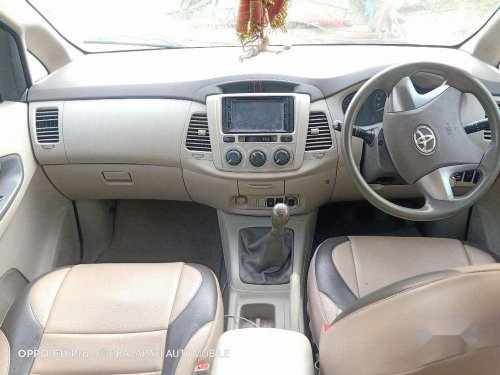 Used 2014 Toyota Innova MT for sale in Mumbai-4