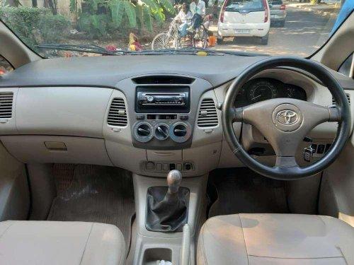Toyota Innova 2.5 E 8 STR, 2009, Diesel MT in Chandigarh