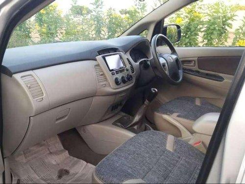 Toyota Innova 2.5 G 8 STR BS-IV, 2013, Diesel MT in Ahmedabad