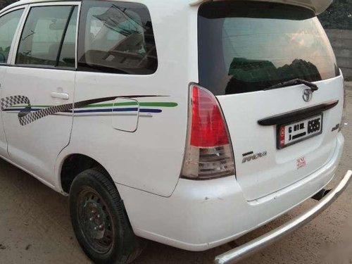 Toyota Innova 2.5 E 2006 MT for sale in Ahmedabad-2