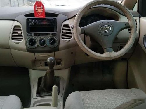 Toyota Innova 2.5 E 2006 MT for sale in Ahmedabad-4