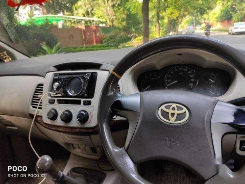 Toyota Innova 2.5 V 7 STR, 2012, Diesel MT in Chandigarh