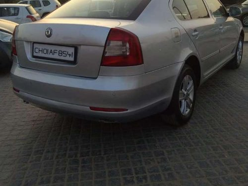 Skoda Laura Ambiente 2.0 TDI CR, 2011, Diesel MT in Chandigarh-7