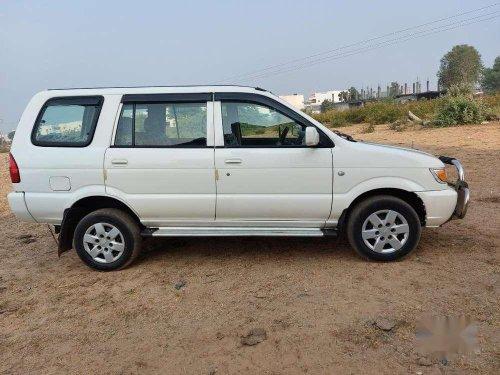 Chevrolet Tavera Neo 3 LS, 2015, Diesel MT in Ahmedabad