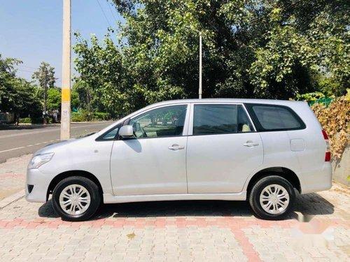 2013 Toyota Innova MT for sale in Patiala