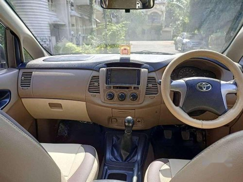 Toyota Innova 2.5 GX 8 STR BS-IV, 2015, MT in Kolkata