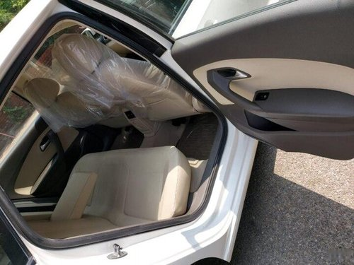 Used 2014 Volkswagen Vento AT for sale in New Delhi