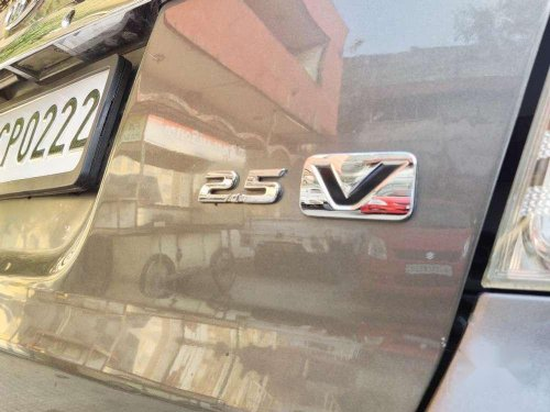 Used Toyota Innova 2010 MT for sale in Surat