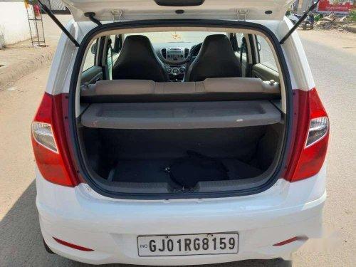 Hyundai i10 Sportz 2014 MT for sale in Ahmedabad