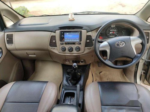 2015 Toyota Innova 2.5 E MT in Hyderabad