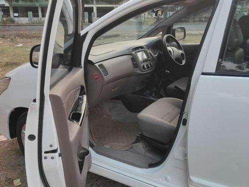 Toyota Innova 2.5 G 8 STR BS-IV, 2015, Diesel MT in Ahmedabad