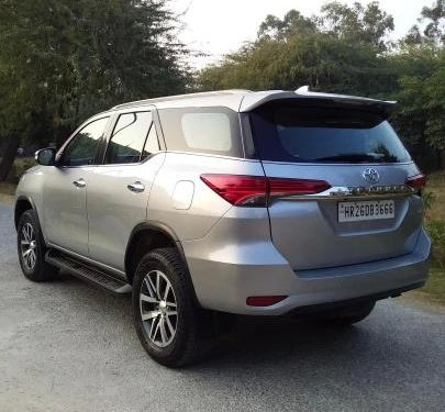 Toyota Fortuner 2.8 4WD AT BSIV 2017 AT for sale in New Delhi -13