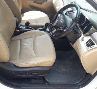 Used 2013 Hyundai Elantra MT for sale in Surat