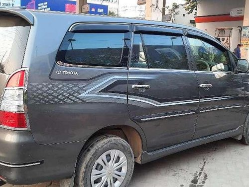 2013 Toyota Innova MT for sale in Ghaziabad-3