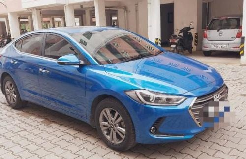 Used 2019 Hyundai Elantra MT for sale in Chennai -13