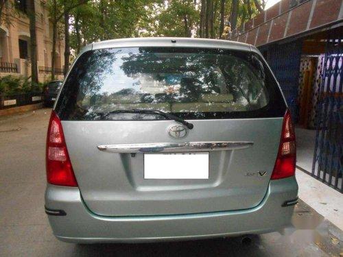 Toyota Innova 2.5 V 8 STR, 2006, Diesel MT in Chennai