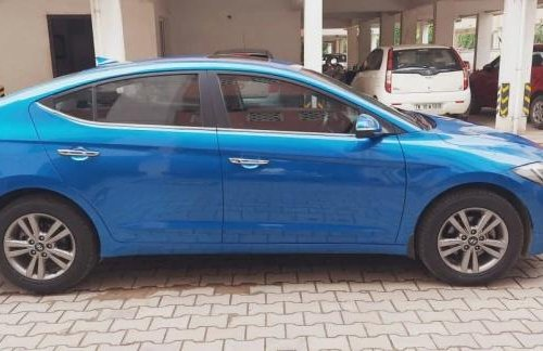 Used 2019 Hyundai Elantra MT for sale in Chennai -12