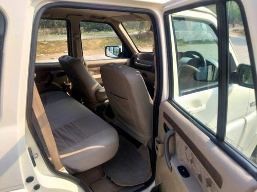 2014 Mahindra Scorpio SLE 7S BSIV MT in New Delhi