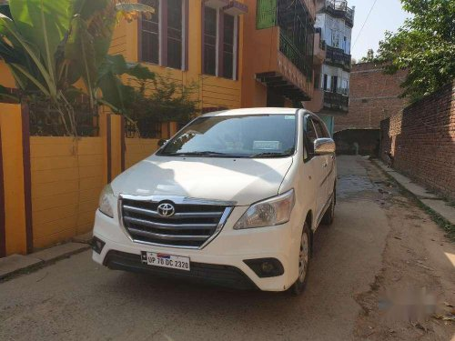 Toyota Innova 2.5 G 8 STR BS-IV, 2015, Diesel MT in Varanasi
