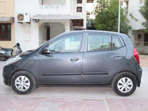 Hyundai i10 Magna 2012 MT for sale in Ahmedabad