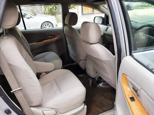 Used 2010 Toyota Innova 2004-2011 MT for sale in Indore