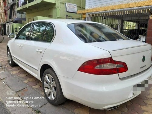 Used 2011 Skoda Superb 1.8 TSI AT in Kolkata-8