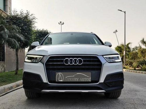 Used 2018 Audi Q3 30 TDI Premium FWD AT for sale in New Delhi