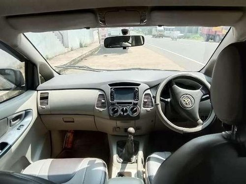 Used 2009 Toyota Innova MT for sale in Perinthalmana