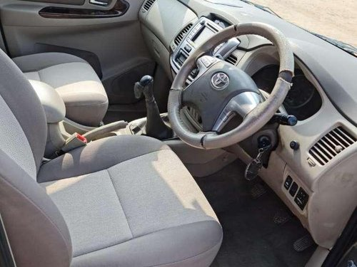 Toyota Innova 2.5 V 7 STR, 2014, MT for sale in Ahmedabad -5