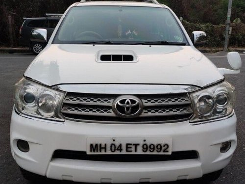 Used 2010 Toyota Fortuner MT for sale in Mumbai -9
