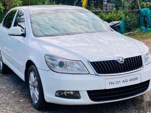 Skoda Laura Elegance 1.9 TDI, 2011, AT for sale in Chennai -8
