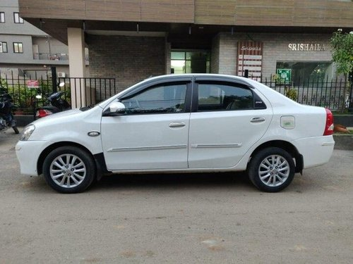 Used 2013 Toyota Platinum Etios MT for sale in Bangalore -5