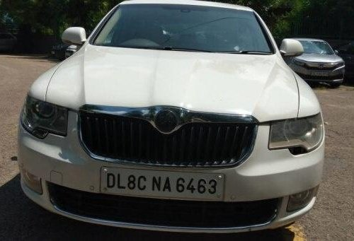 2011 Skoda Superb Elegance 2.0 TDI MT in New Delhi-7