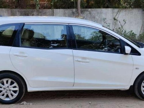 Honda Mobilio V i-DTEC 2015 MT for sale in Ahmedabad -6