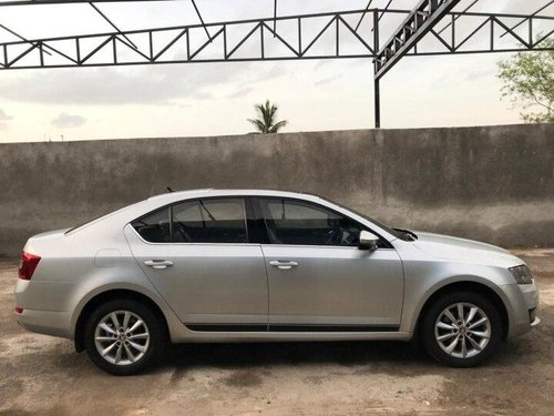 Used 2017 Skoda Octavia 2.0 TDI AT for sale in Pune -11