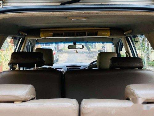 Toyota Innova 2.5 G 8 STR BS-III, 2005, MT in Chennai