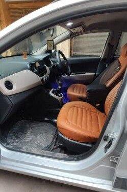 Used Hyundai i10 Sportz 2016 MT in New Delhi